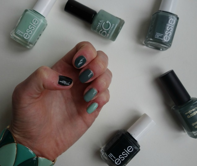 Green Ombre Nails (3)