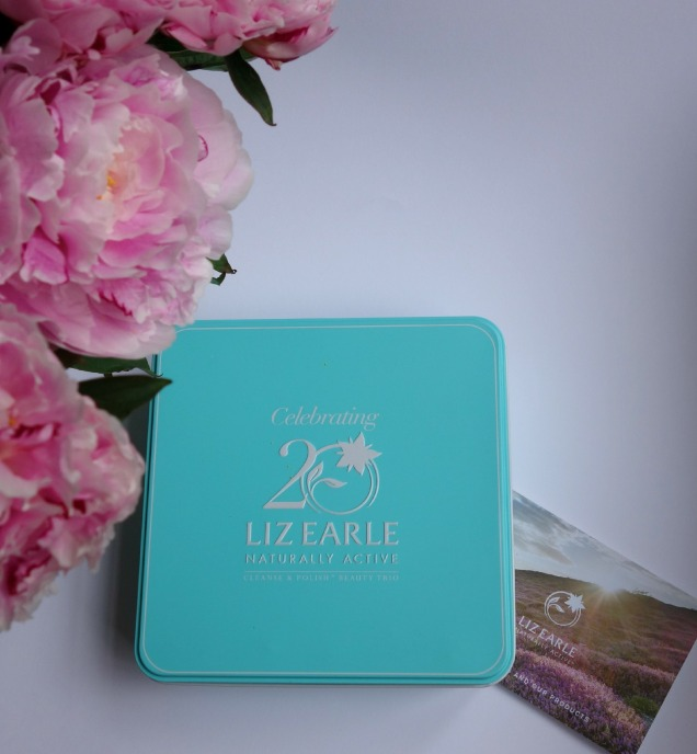 liz early cleanse&polish beauty trio