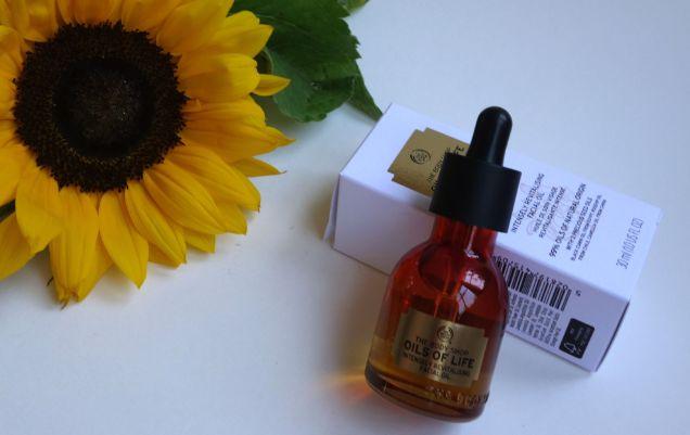 body shop oils of life intensely revitalising facial oil