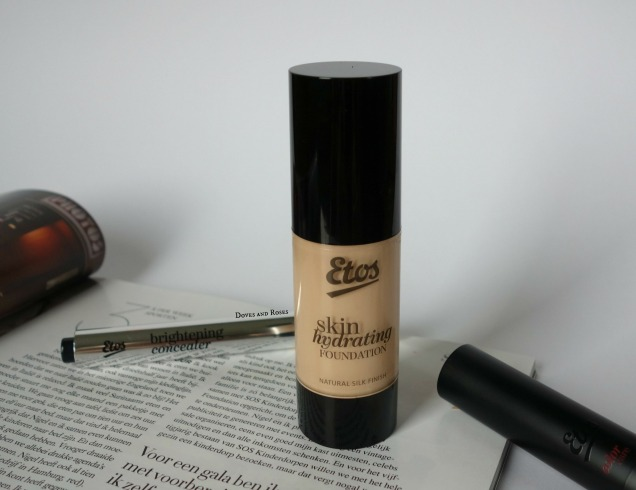 Etos Skin Hydrating Foundation Vanilla (2)