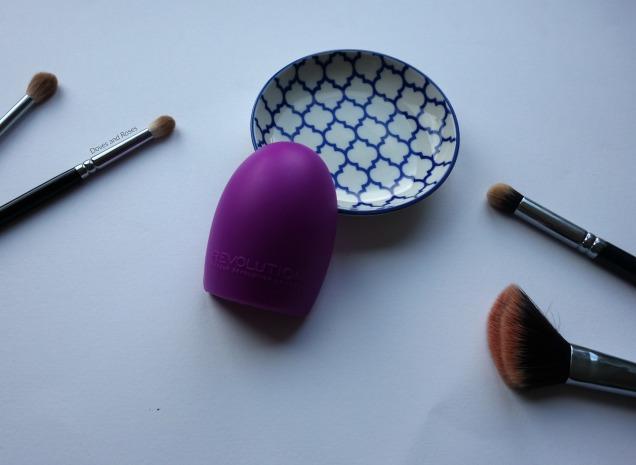Makeup Revolution Pro Cleanse Brush Tool
