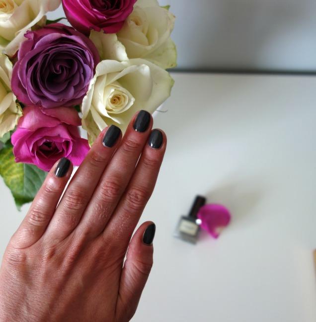 Soigne Botanique five free nail polish in truffe